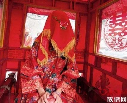 新娘出嫁弟弟挂霸气横幅,那么古代的婚礼有哪些有趣的事呢?