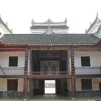 原来老家的朱氏祠堂,大门上的四个大字是他提写的