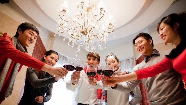 当传统节日变成了传统吃喝,意义在哪里?