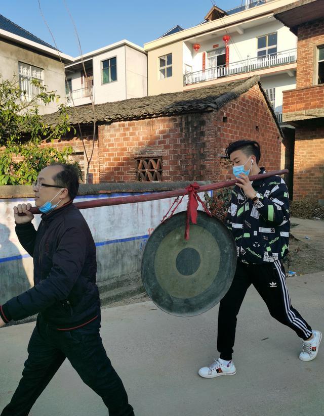 正月初十李渤后裔都昌枫田村振家声扬家风,迎新接家谱
