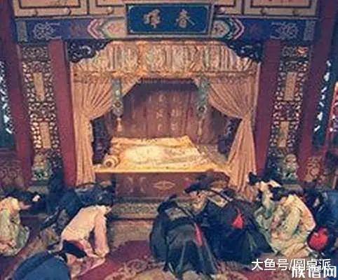 """爱新觉罗氏""""1号""""倒霉皇帝,一辈子遭4次刺杀,最后被雷劈死?"""