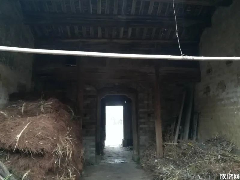 探访百年储氏月形老屋