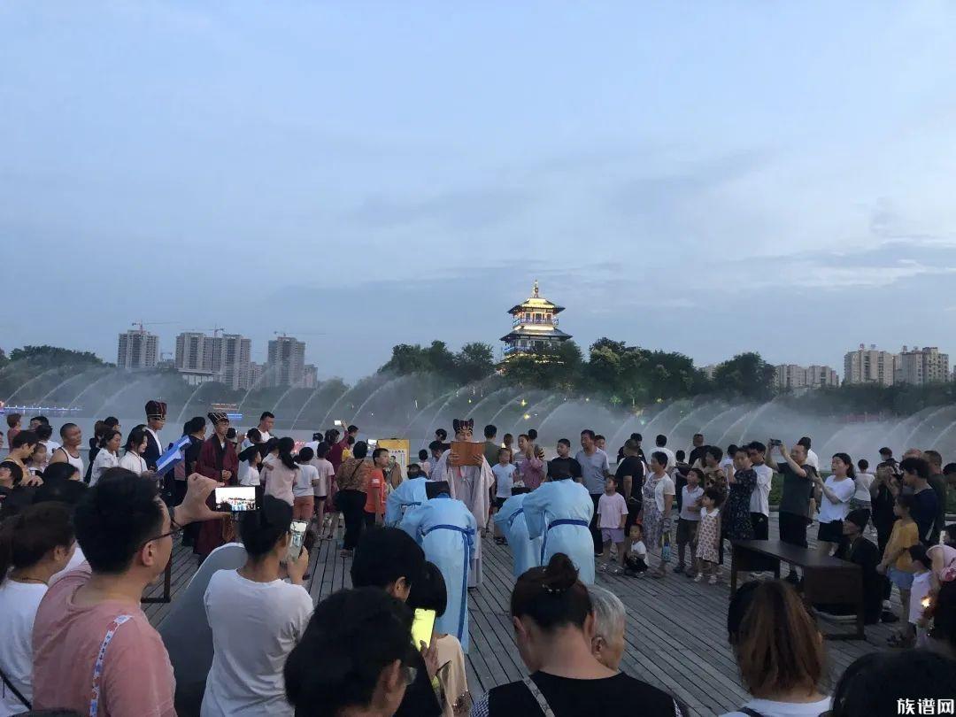 儒家文化礼仪展演走进桃李春风